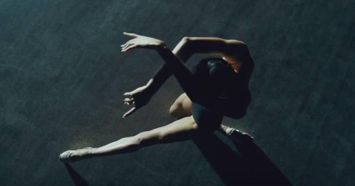 О застройщике «Ковальська Нерухомість» рассказали с помощью балета.