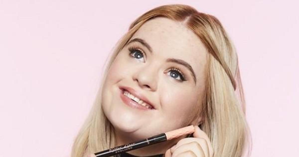 Модель с синдромом Дауна стала новым лицом бренда косметики.
