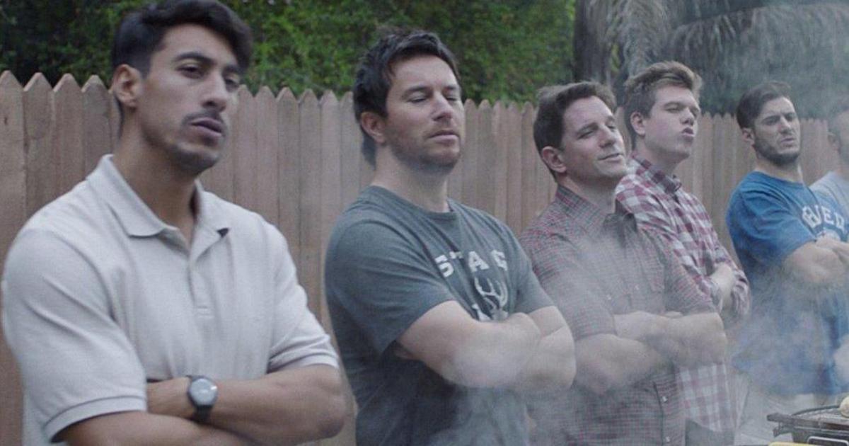 Gillette попросила мужчин изменить свое поведение в новой кампании.