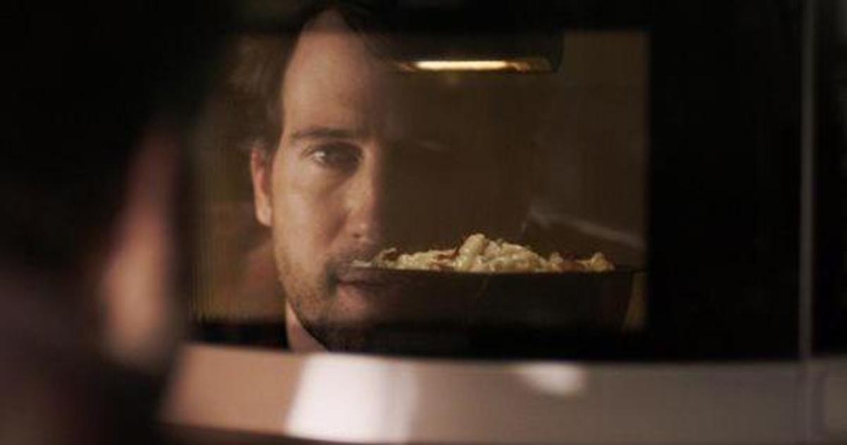 Производитель замороженной еды выпустил «грязный» ролик для Super Bowl.