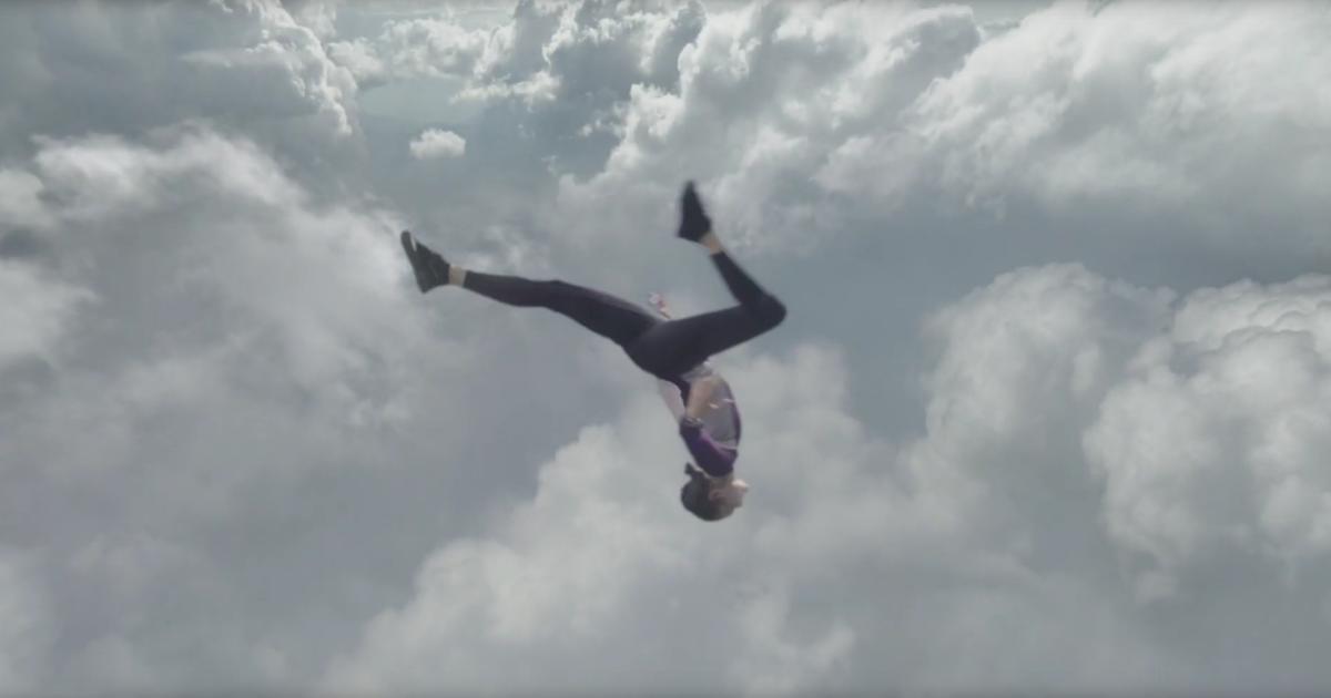Пробежка закончилась танцами в воздухе в рекламе Apple Watch Series 4.