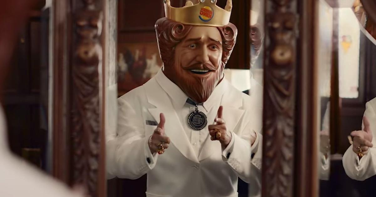 Рекламные войны: Burger King нарядил Короля в одежду Полковника Сандерса.