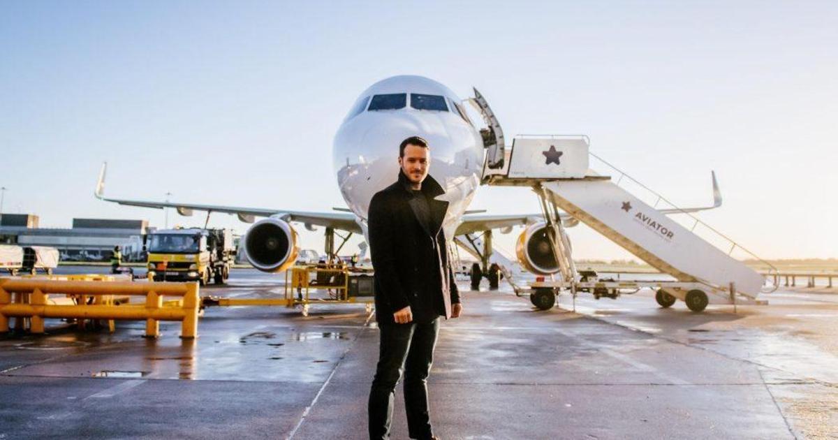 Авиакомпания загипнотизировала пассажиров, чтобы вернуть им восторг от первого полета.