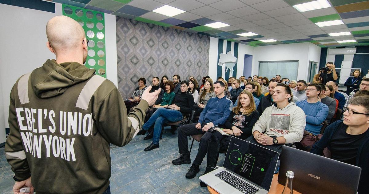 Влад Волочай та Гліб Петров про сутність бренду в еру інтернету