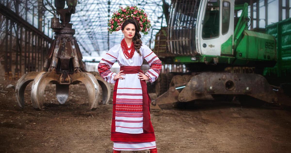 Сотрудницы «Интерпайп» показали женское лицо индустрии к 8 марта.