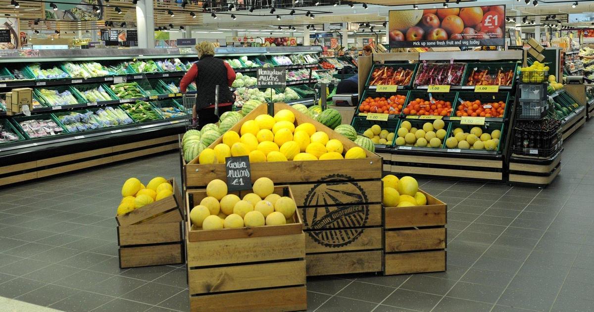 Tesco отказалась от пластиковой упаковки для фруктов и овощей.