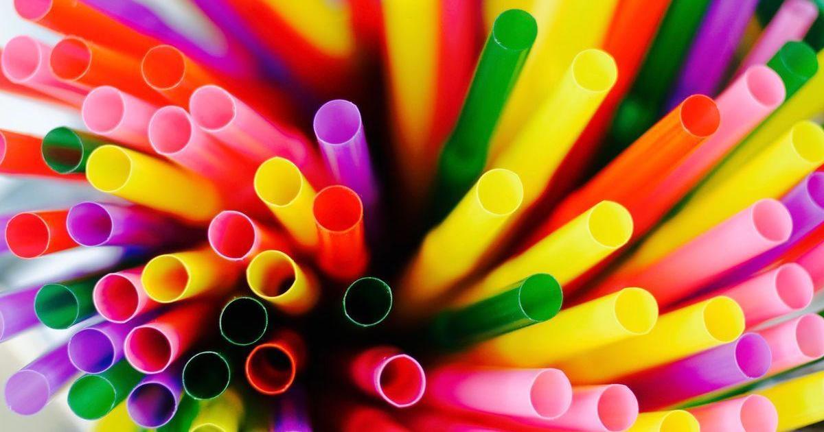 Европарламент одобрил запрет одноразового пластика.