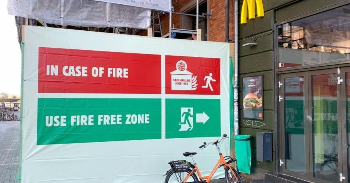 Burger King дразнит McDonald's билбордом о противопожарной безопасности