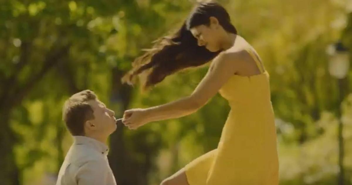 Любовь до самой палочки в рекламе мороженого «Каштан»
