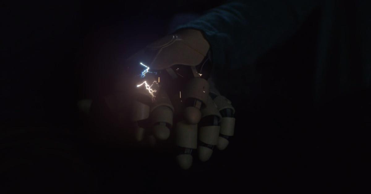 Сеть кинотеатров Cinemark сняла видеоролик о чувствующих роботах