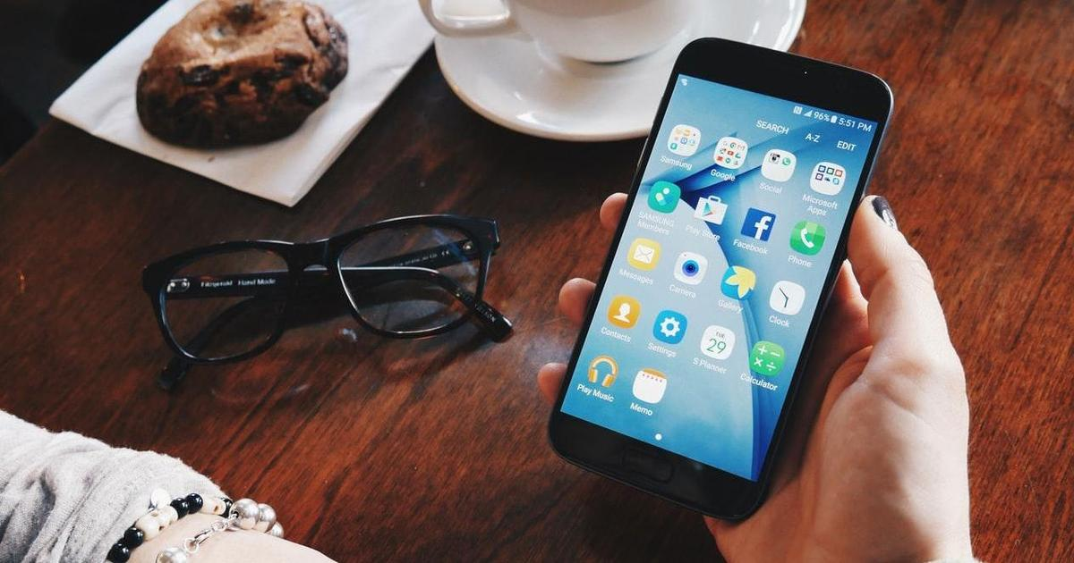 Facebook получил самый низкий рейтинг удовлетворенности пользователей среди сайтов соцмедиа