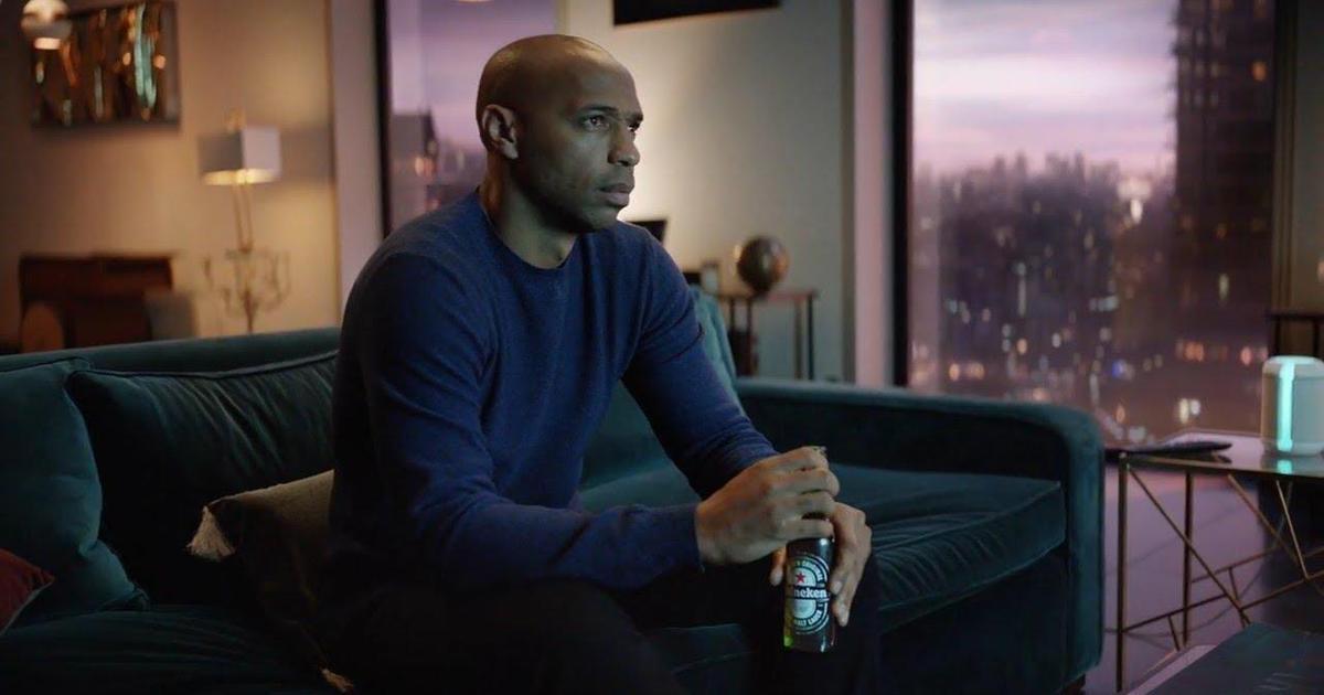 Heineken запустил глобальную кампанию против одиночного просмотра футбола