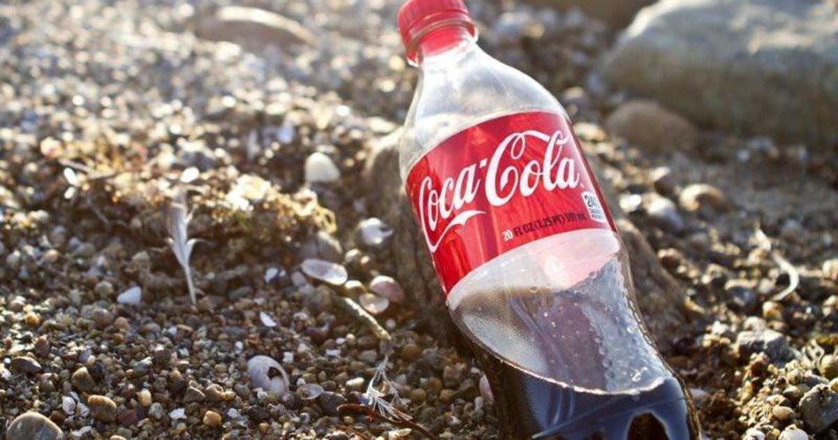 Coca-Cola и PepsiCo возглавили рейтинг брендов, загрязняющих среду пластиком