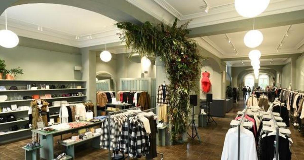 H&M открыл магазина нового формата с кафе и занятиями йогой