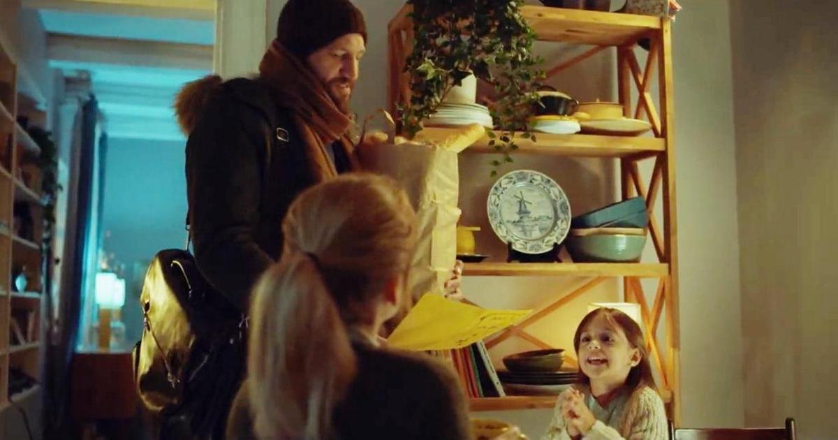 Отец выдал себя за Санту ради дочери в милом рождественском ролике от BETC