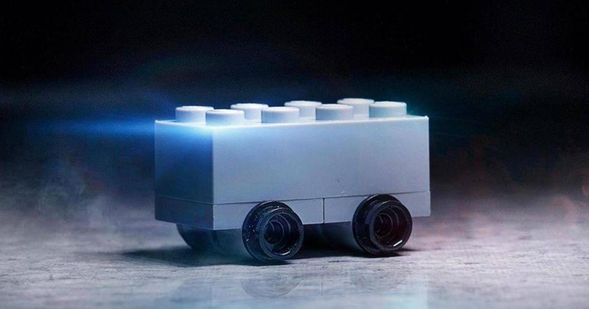 Lego высмеяла дизайн Tesla Cybertruck