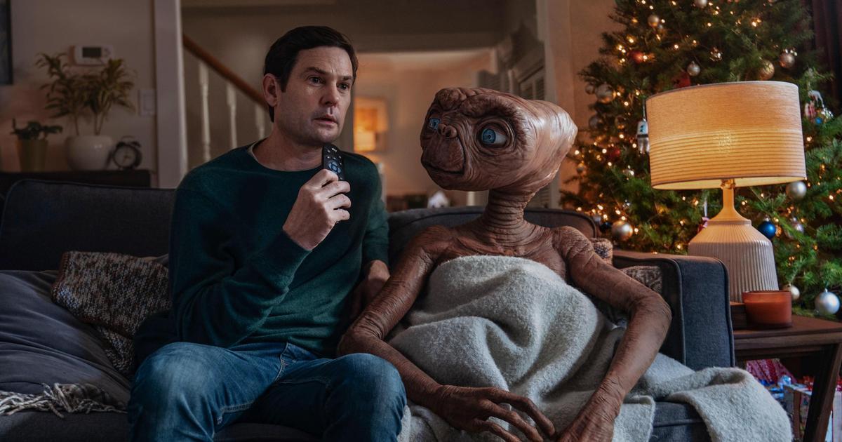 Герой «Инопланетянина» E.T. вернулся на Землю в рождественском ролике Sky
