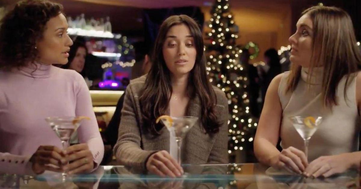 Девушка из «сексистской» рекламы Peloton снялась в ролике Aviation Gin