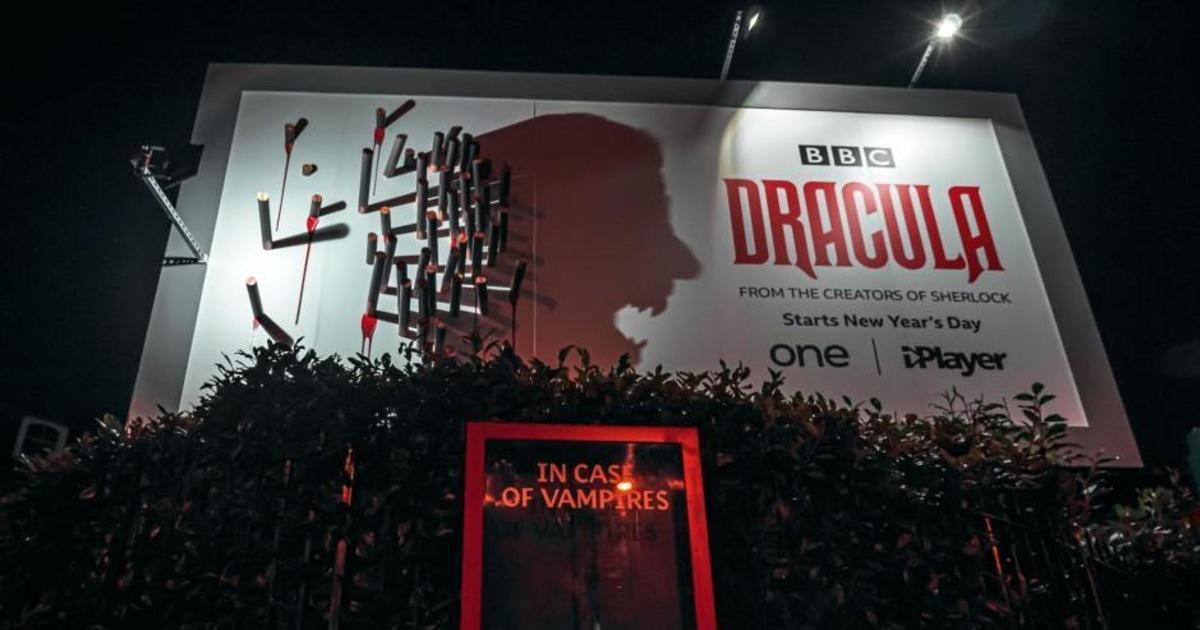 BBC использовали игру света и тени в наружной рекламе для промо «Дракулы»