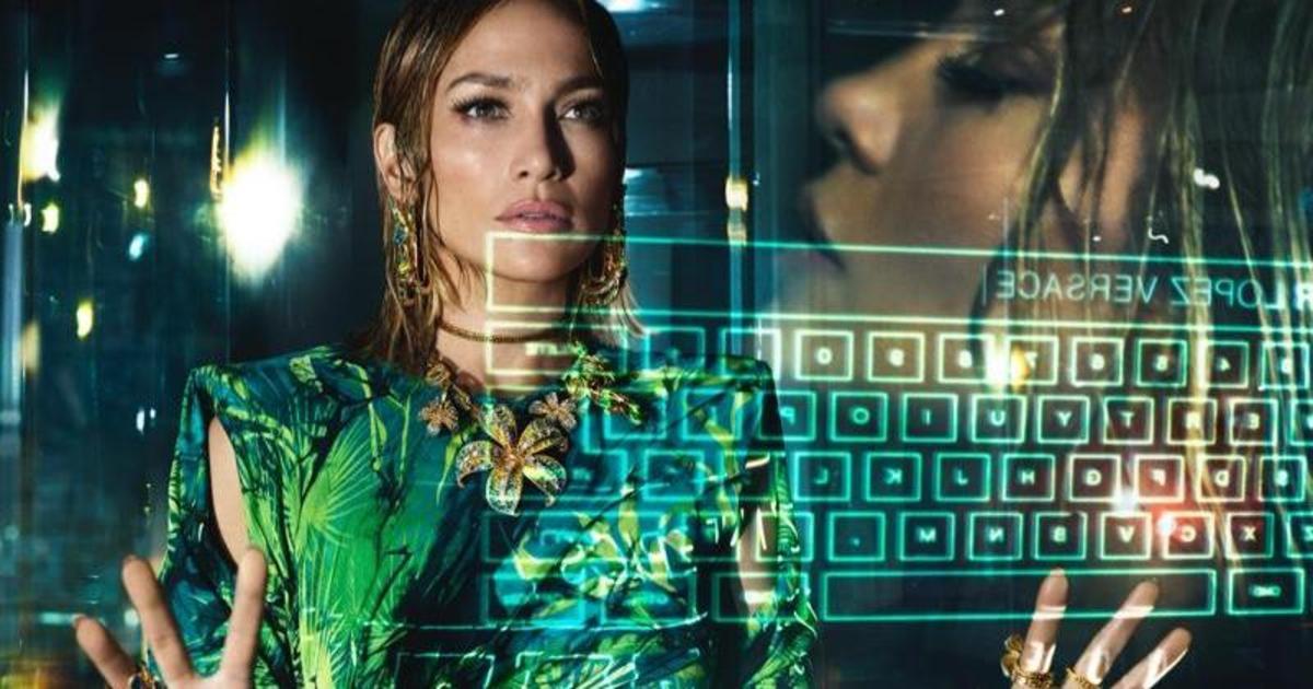 Дженнифер Лопес и Кендалл Дженнер в рекламной кампании VERSACE