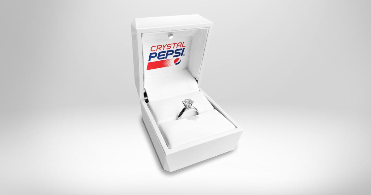 Pepsi создала обручальное кольцо с бриллиантом из Crystal Pepsi