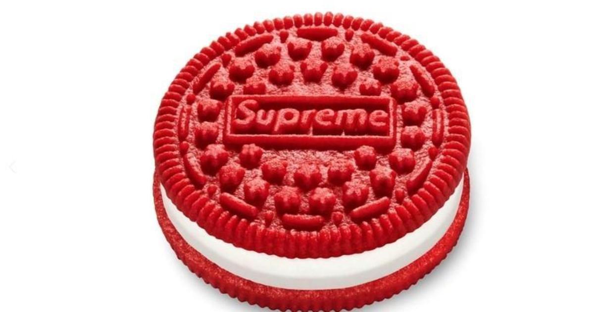Supreme представил коллаборацию с Oreo