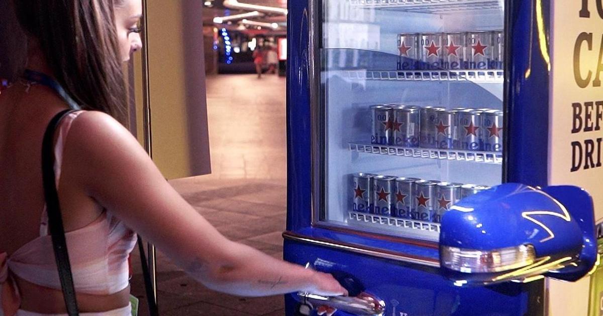 Heineken предложил жителям Сингапура выпить пива и сесть за руль