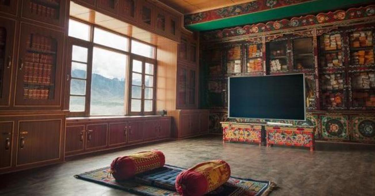 100 дней в Тибете: Samsung отправит смотреть ТВ в тишине.