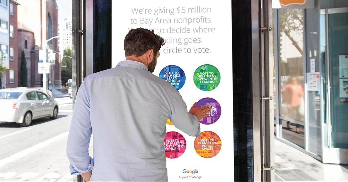 Google использовал кликабильные постеры для голосования.