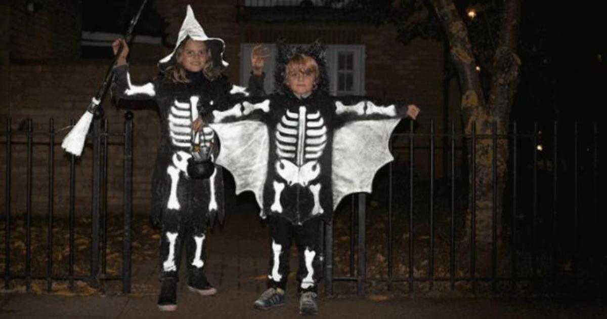 Volvo предложила родителям защитить детей на Хэллоуин краской LifePaint.