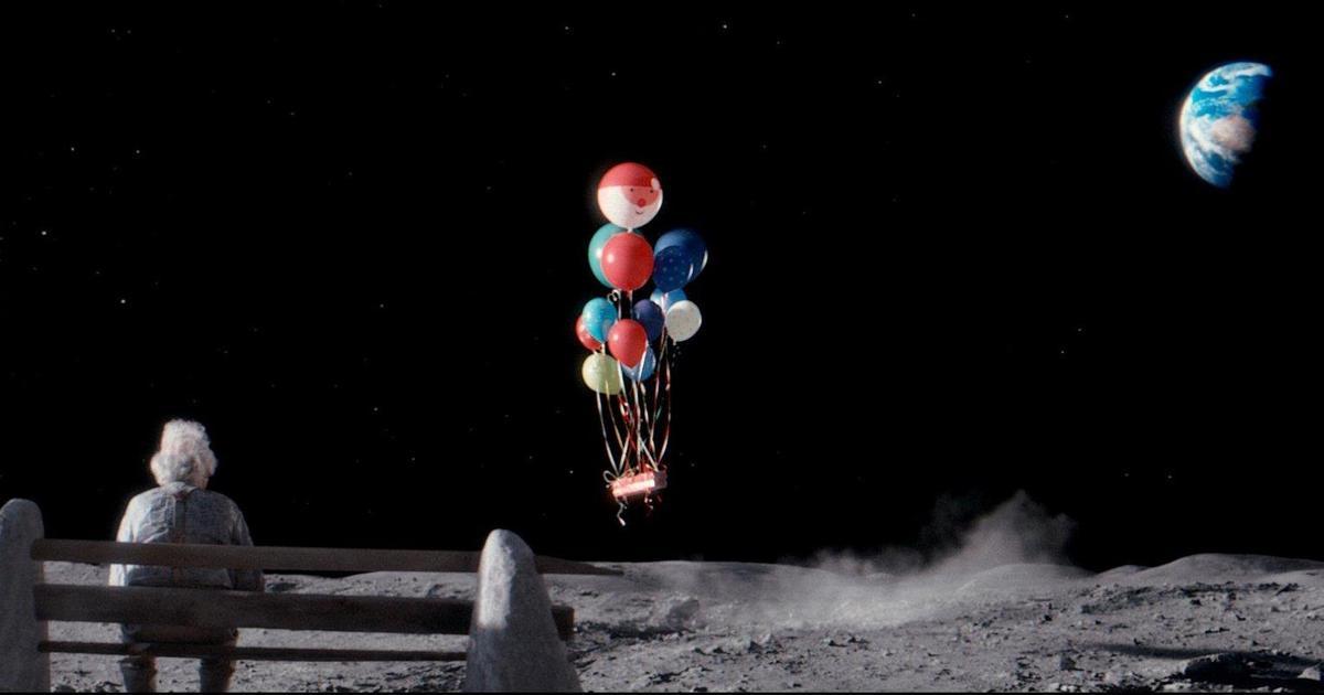 John Lewis отправил человека на луну в рождественской кампании.