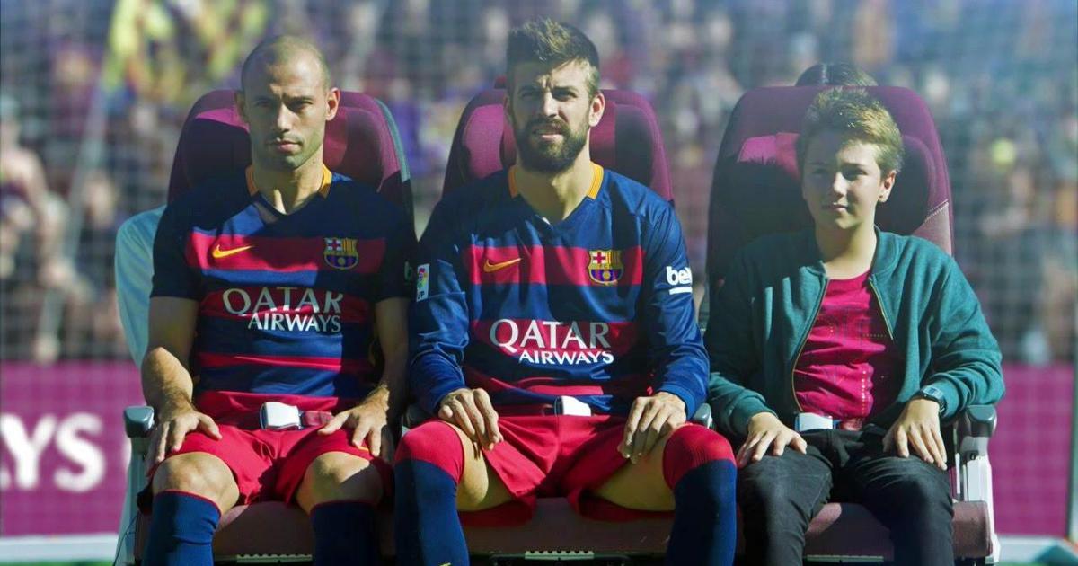 Футболисты ФК «Барселона» провели инструктаж по безопасности перелета.
