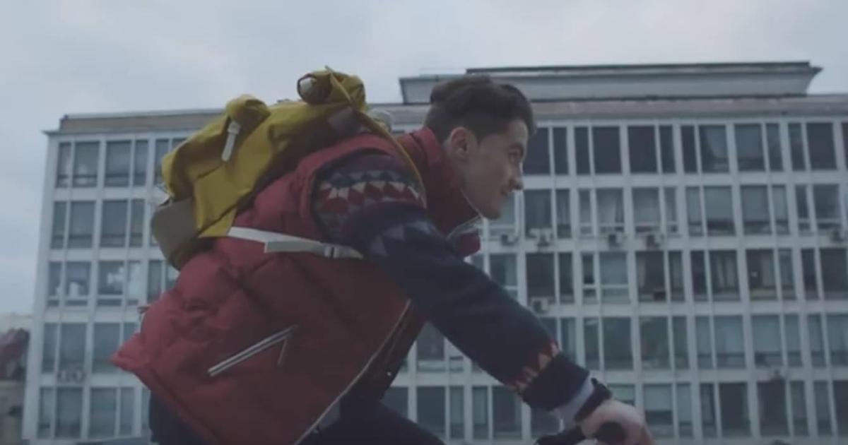 Смарт-часы прорекламировали как символ нового времени в ролике Gear S2.
