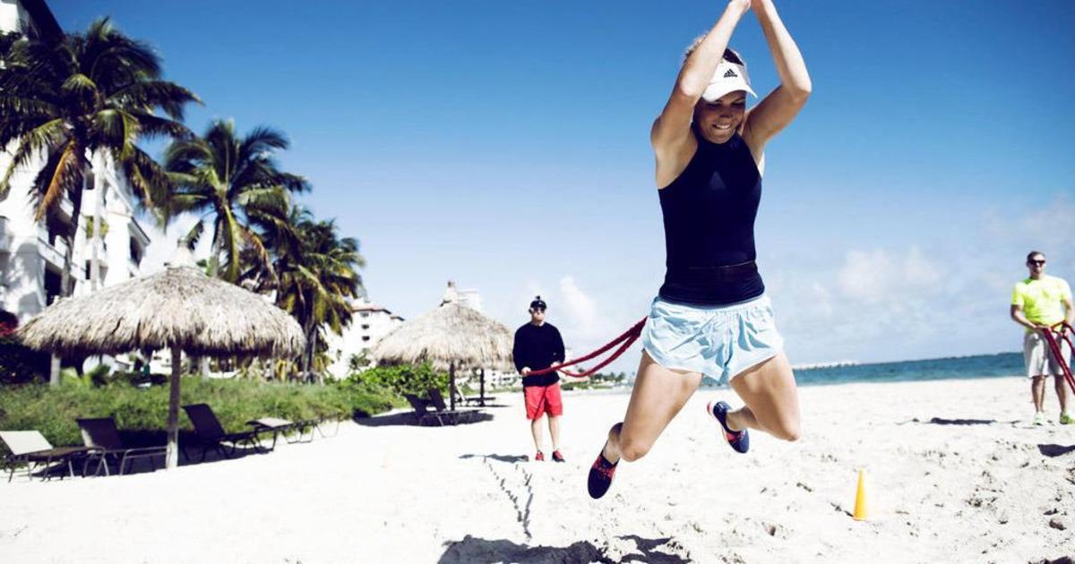 Adidas показал жизнь спортсменок сквозь призму креатива.