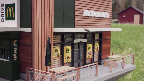 Швеции открылся McDonald's для пчел 4