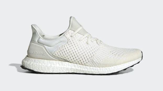 0901f156 ... Месяца афроамериканской истории, которая была полностью белого цвета. В  ответ бренд удалил продукт из коллекции. В заявлении компания отметила:  «Adidas ...