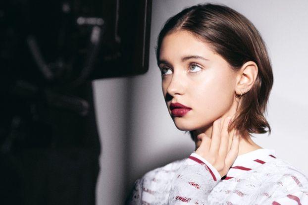 Дочь Джуда Лоу снялась в рекламной кампании Burberry Beauty. 8a7d28d7601