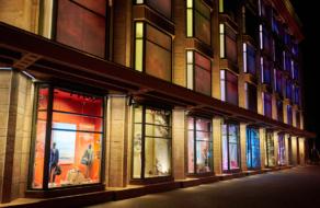 ЦУМ представил новые витрины, главным сюжетом которых стала природа