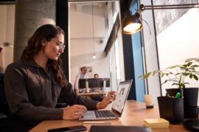 Исследование Microsoft: обучение сотрудников — один из ключевых факторов успешного внедрения ИИ в бизнесе