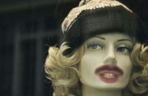 В кампании для ТЦ River Mall призвали спасти моду от карантинопокалипсиса