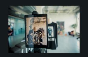 FFFACE и FINCH презентовали капсульную коллекцию AR одежды