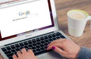 Google будет отмечать фейковые изображения в поиске