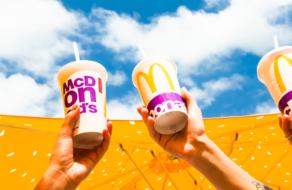МакДональдз в Украине полностью отказывается от пластиковых стаканов для напитков