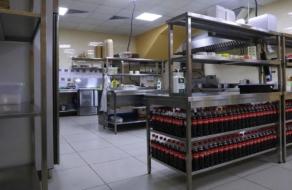 Сервис Glovo запустил первый «dark store» и вторую «облачную кухню»