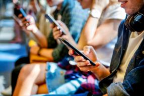 Приложения для покупок и финансов демонстрируют самый сильный рост среди поколения Z