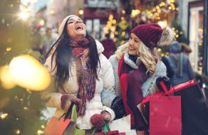 Покупатели потратят столько же на праздничный шопинг, как и в 2019 году