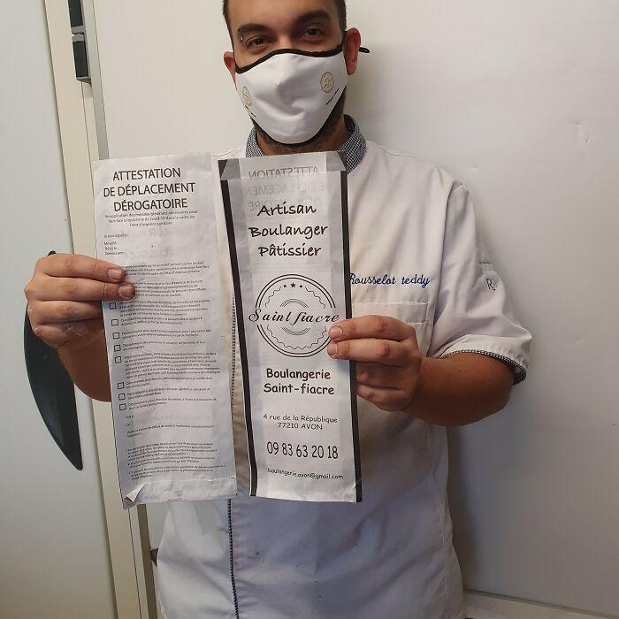 Владелец пекарни использовал упаковку для багетов в качестве сертификатов во время локдауна. ФОТО