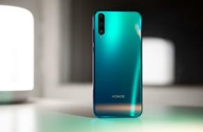 Huawei продает Honor