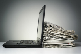 Українці споживають онлайн-новини хаотично – опитування ЦКА