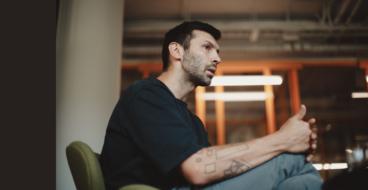 «Лучше стили называть эмоциями, а не ярлыками»: интервью с архитектором Славой Балбеком